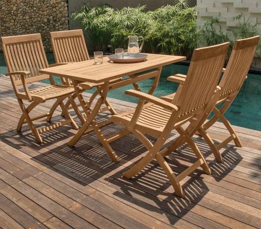 Sitzgarnitur 4 Stühle und Tisch aus Teakholz